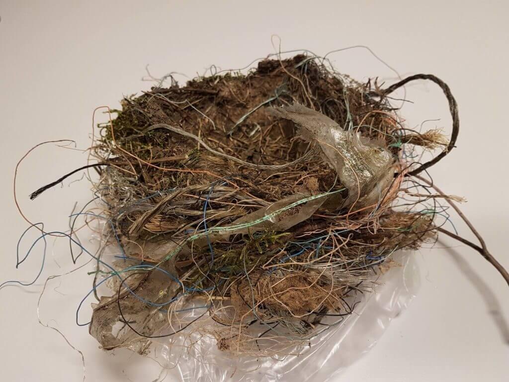 fuglereir av plast